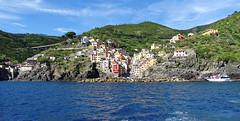 5 Terre - Riomaggiore (Klodio70) Tags: riomaggiore 5terres italy sea mer mare littoral litorale mountain montagne montagna