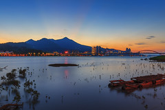 - Sunset glow at Guandu Wharf (basaza) Tags: 30d canon   1635 taipei