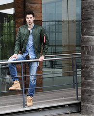 Guy in Bomberjacket (vanes_hud) Tags: bomberjacke bomberjacket green alpha alphaindustries jeans doubledenim denim airforce nike nikeairforce hollister guy man model fashion streetwear trendfashion mad boyboy skinny