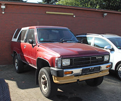 4Runner (Schwanzus_Longus) Tags: delmenhorst german germany japan japanese old classic vintage car vehicle suv 4x4 offroad offroader toyota 4runner spotted spotting carspotting