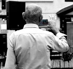 on camera! (Rourkeor) Tags: arundel england unitedkingdom gb camera photo phone street artistic people sony sonyrx1r rx1r fullframe sonnar t carlzeiss zeiss 35mm