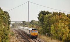 66752 Ferriby 28/09/2016 (Flash_3939) Tags: 66752 thehoosierstate class66 diesel locomotive gbrf gbrailfreight freight tarmac humberbridge ferriby rail railway train uk september 2016