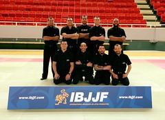 Arbitros Gothemburgo 2015-em pe-Thiago-Muzio-Judson-Vita-Renato-de joelhos- Sada-Cleyton-Eduardo-Romulo