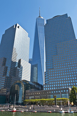 Brookfield Place and 1 WTC (SamuelWalters74) Tags: newyorkcity newyork unitedstates manhattan worldtradecenter financialdistrict batteryparkcity worldfinancialcenter nycskyline freedomtower 1worldtradecenter 1wtc brookfieldplace oneworldtradecenter northcoveyachtharbor