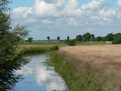 rural East Frisia DwarsTief (achatphoenix) Tags: rheiderland eastfrisia ostfriesland tief boating water eau wasser aqua b436 dwarstief inexplore