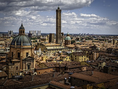 New and Old Bologna (keith_shuley) Tags: blue red italy orange yellow colorful turquoise bologna claytile olympusomdem1