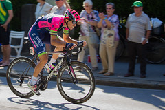 Go go go!!! (tom.leuzi) Tags: bern berne bewegung bike canonef70200mmf4lisusm canoneos6d fahrrad schweiz schwenk sport switzerland velo action bicycle motion pan panning speed sports merida lampre ruicosta tourdefrance tdf le tour stage16 liebefeld kniz cycling roadrace race competition wettkampf rad radsport