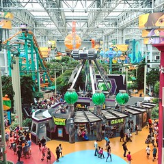 Quaint. www.jessica365.com (Jessica Brookes-Parkhill) Tags: minnesota mutantmasher jessica365 mall mallofamerica moa