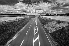 Holidays, where are the cars? (Juergen K) Tags: fujifilmxpro2 uww wolken weitwinkel fuji1024f4 heckengu clouds