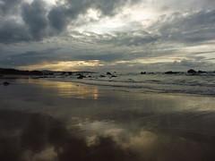 Playa Dunas Liencres (teresamartnmolina) Tags: playa liencres santander beach sunset puestasol nubes cloud
