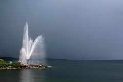 Kempenfelt spray on a soon to become stormy day (O'Quinn Photo) Tags: kempenfeltbay spray fountain lakesimcoe barrie ontario oquinn summer beach rainbow stormy horizon dark brewing
