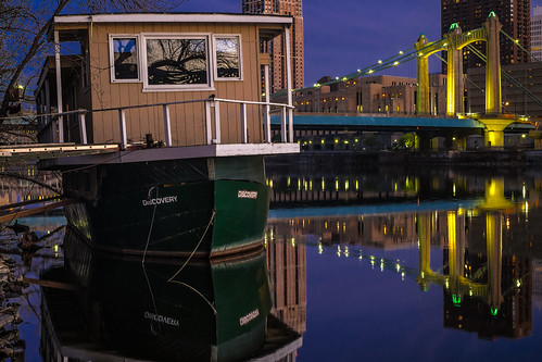 bridge reflection night river boat nacht mississippiriver riverboat bluehour nuit bh xt1 nocho