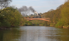 Victoria Bridge (Treflyn) Tags: bridge heritage classic train wagon during photo view near rail railway victoria photographic steam severn event valley preserved charter preservation flyingpig engineers ballast 260 charters 4mt bewdley ivatt 43106
