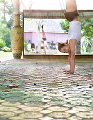 double handstand (uchita.linda) Tags: yoga thailand asia exercise down balance handstand inversion upside invertida
