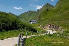 DSC_5346 (rayds2016 Photo) Tags: lago san suisse polarizer svizzera alpi montagna quinto funicolare chiesetta diga nikond3200 gottardo prealpi svizra alpeggio ritom cantonticino hoyafilter altanca nikkor35mmf18 nikonclubit alpepiora