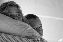 Caro & Tym n&b DxOFP LM 1000519 (mich53 - Thanks for 2700000 Views!) Tags: portrait monochrome morning camping leicamtype240 tlmtre vacances eyes regards explore noirblanc rveil bw girl kid famille family