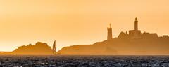_D816738-St Mathieu avant le couch du soleil (Brestitude) Tags: saintmathieu phare lighthouse abbaye pointe finistre bretagne brittany france brestitude laurentnevo sunset couchdesoleil mer iroise sea