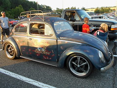 1957 Volkswagen Beetle (splattergraphics) Tags: 1957 volkswagen beetle vw volksrod patina cruisenight lowescruise abingdonmd