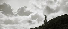 Die Wacht am Rhein (Leon Bovenkerk) Tags: niederwald denkmal wacht am rhein wachtamrhein rdesheim rheinland pfalz bw clouds statue memorial