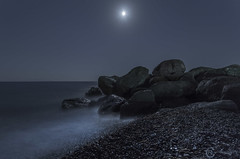 Moonlight over Santorini (Sicilian1976) Tags: santorini beach rocks moon seascape sea greece griekenland longexposure magical noperson fullmoon zee strand maan canon6d canon1740 relax blue kamari rotsen
