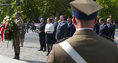 Złożenie kwiatów przy pomniku J. Piłsudskiego