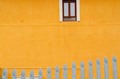DSC_3217_editado-1 (adrizufe) Tags: window yellow wall ventana pared nikon w pipes bilbao amarillo bizkaia basquecountry tubos nikonstunninggallery aplusphoto d7000 adrizufe