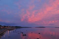 Baie de Rimouski - 3 (Patrice StG) Tags: sunset river dusk gimp qubec stlawrence stlaurent crpuscule couchant coucherdesoleil fleuve stlawrenceriver bassaintlaurent basstlaurent sooc d700