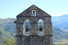 Simetría (Gonzalo Loza Pérez) Tags: simtería santa catalina ermita potes liebana monasterio campanario