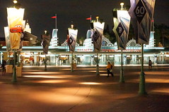 """Main Entrance to Disney California Adventure • <a style=""""font-size:0.8em;"""" href=""""http://www.flickr.com/photos/28558260@N04/28926214806/"""" target=""""_blank"""">View on Flickr</a>"""
