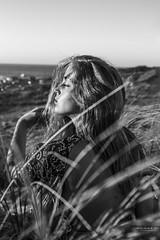 Atardecer (Soledad Bezanilla) Tags: atardecer late lateafternoon soledadbezanilla instantes momentos luz light arte art naturaleza nature campo countryside playa beach sol sun retrato portrait fotografia photography