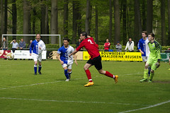 _IMG8004 (Henk de Regt) Tags: voetbal bal loenen kampioen loenermark lonapark voetbalwedstrijd loenermark2 kampioen2015