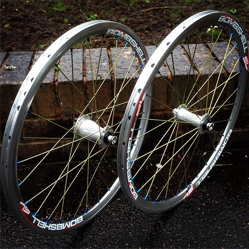 Just gorgeous #bombshell Silver Rims With #stealthhubs Juniors