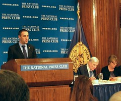 Tommy Burr, National Press Club president (Dan_DC) Tags: official podium government nsa nationalpressclub mikerogers centralsecurityservice thomasburrpresidentnationalpressclub