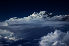 Stormcloud seen from a plane window (betadecay2000) Tags: ta clouds wolken wolke flug flugzeug boeing hhe stratosphre meer sea himmel blau cloudy cloud sky ozean indischer weltmeere outdoor australien darwin western australia top end ber den heaven blue perth westaustralien landung fahrzeug