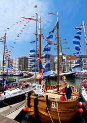 Oostende voor Anker 2016 (03) (Johnny Cooman) Tags: haven port landscape puerto boot boat ship belgium belgique harbour belgi westvlaanderen porto mast bateau hafen oostende bel segelschiff aaa ostend sailingship landschap flanders belgien zeilboot westflanders zeilschip ostende blgica schip vlaanderen flandern belgia evenement flandre flandes  oostendevooranker flemishregion flhregion panasonicdmcfz200