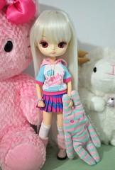 Day 1 Mokona (mari.furtado) Tags: dal jouet anniversary cute kawaii amuse flan plush