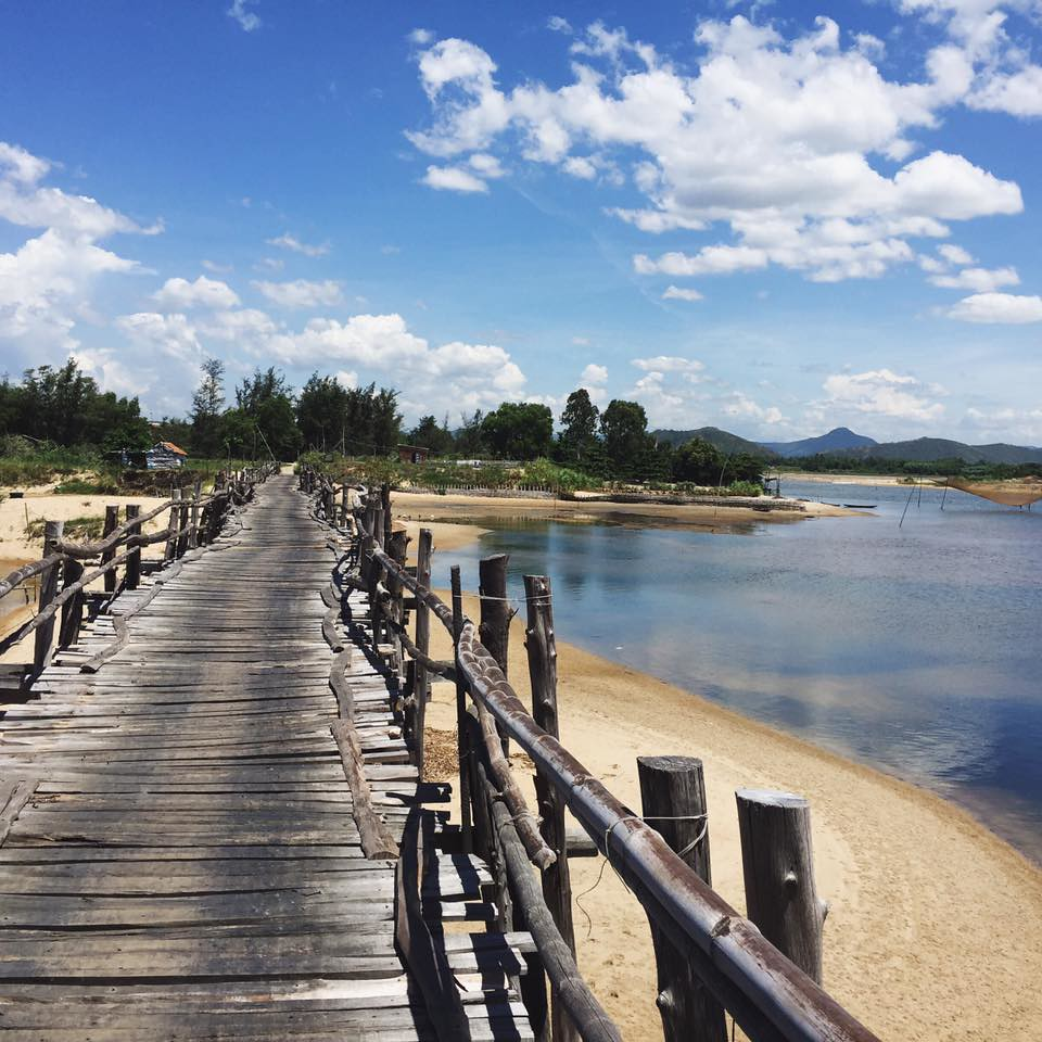 Cầu gỗ Tuy An