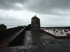 Amazing fort in Goa. #shotoniphone6s #iphone6s #iphoneonly #rain #goa #like4like #fun #fort #ocean #lighthouse #monsoon #water #slippery (karan667) Tags: shotoniphone6s iphone6s iphoneonly rain goa like4like fun fort ocean lighthouse monsoon water slippery
