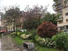 italie banc (alexandrarougeron) Tags: urbain ville coin hauteur dcor paysage paris 3me bton vgtation