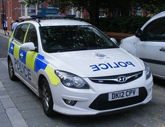 4517 - Cheshire Police - DK12 CPV - 060 (Call the Cops 999) Tags: sunday 24 july 2016 uk gb united kingdom great britain england north west cheshire 999 112 emergency service services vehicle vehicles police constabulary 101 warrington town centre hyundai 130 estate response patrol car dk12 cpv led lightbar battenburg