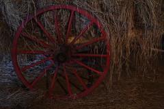 (Vicky Boulais) Tags: charrette paille roue foin