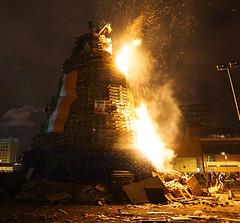 2016-07-12_00-05-21_DSC00816 (Colonel Matrix) Tags: belfast bonfire bonfirenight flag northernireland orangefest sandyrow twelfth gb
