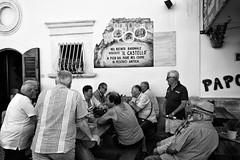 tutti al bar (*magma*) Tags: bar peschici puglia persone anziani tavolo gruppo