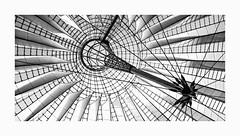 Needle (michel1276) Tags: berlin potsdamerplatz sw sonycenter bw