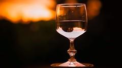 Boire un verre d'eau le soir ... (Yasmine Hens) Tags: orange water eau europa flickr belgium ngc glas coucherdesoleil verre namur hens yasmine wallonie world100f iamflickr flickrunitedaward olympusm45mmf18 panasonicdmcgx8 hensyasmine