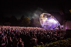 2016_SebastianSchofield_Wednesday (Larmer Tree) Tags: sebastianschofield 2016 wednesday clap handsintheair audience mainlawn mainstage