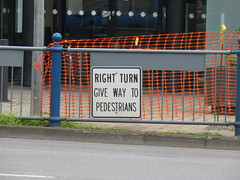 Right Turn - Give Way To Pedestrians (RS 1990) Tags: unleyrd malvern adelaide southaustralia thursday 28th july 2016 parkst wattlest junction traffic sign