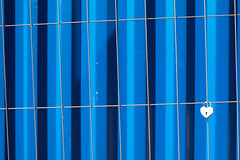 monday blues (Werner Schnell Images (2.stream)) Tags: blue heart blues cologne kln baustelle container blau monday zaun herz montag