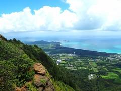 View of Kailua from the top of Kuli'ou'ou Ridge (jenesizzle) Tags: oahu hawaii island paradise outdoors landscape hiking kuliouou kuliououridge kuliououridgehike view kailua