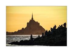 Quand le Mont St Michel redevient une ile et qu'il prend le large... (2) (Marie 35 (140)) Tags: people contrejour montstmichel baie bassenormandie stlonard pointedugrouinsud